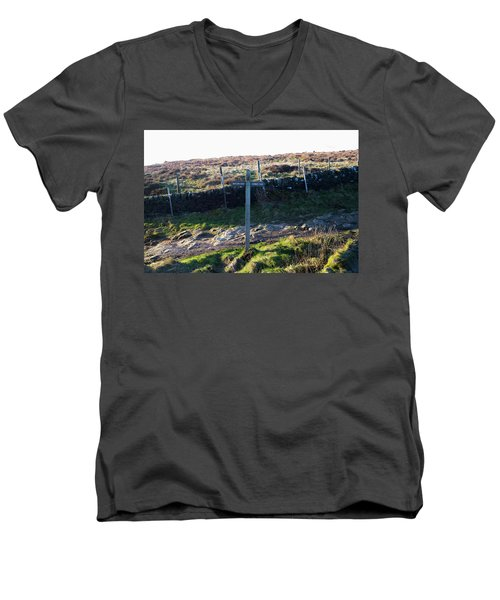 Curbar Edge Which Way To Go Men's V-Neck T-Shirt