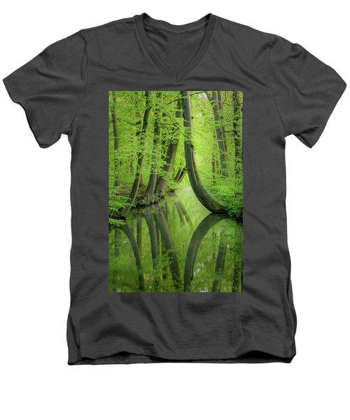 Curved Trees Men's V-Neck T-Shirt