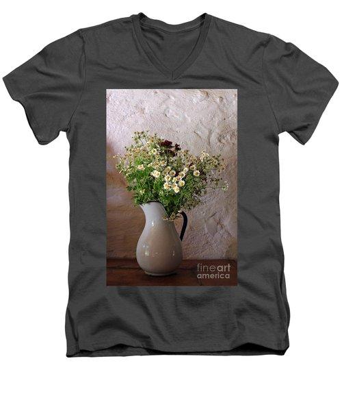 Daises4 Men's V-Neck T-Shirt
