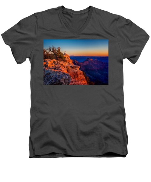Dancer On The Ledge Men's V-Neck T-Shirt