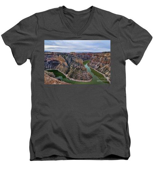 Dawn At Devils Overlook Bighorn Canyon Men's V-Neck T-Shirt