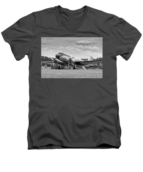 Dc-3 On Grass Men's V-Neck T-Shirt