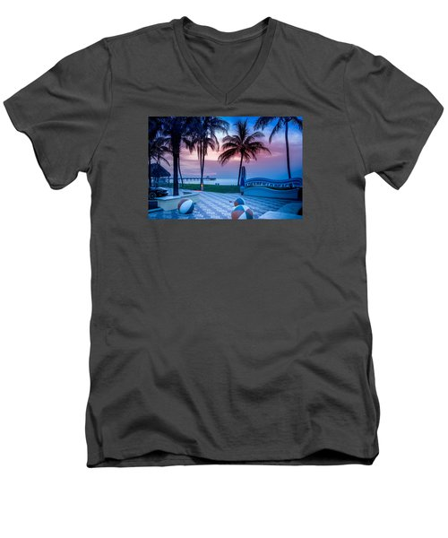 Deerfield Beach Fl Fishing Pier Men's V-Neck T-Shirt