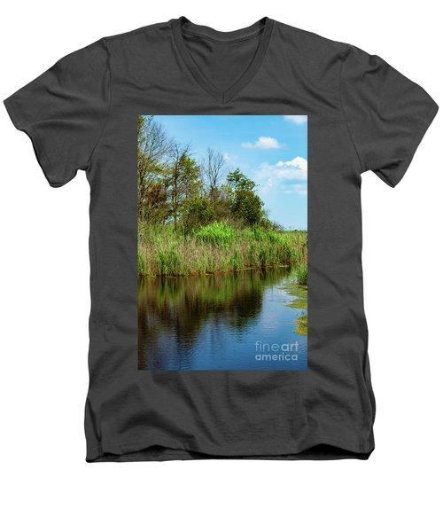 Delaware Waterway Men's V-Neck T-Shirt
