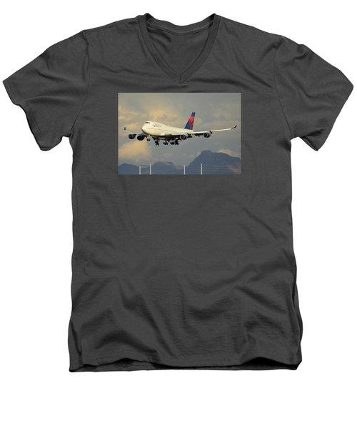 Delta Boeing 747-451 N668us Phoenix Sky Harbor January 8 2015 Men's V-Neck T-Shirt