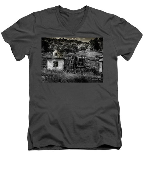 Derelict Farm, Transylvania Men's V-Neck T-Shirt