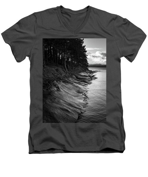 Descanso Bay Men's V-Neck T-Shirt