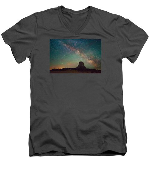 Devils Tower Lights Men's V-Neck T-Shirt