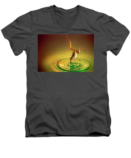 Men's V-Neck T-Shirt featuring the photograph Diving by William Lee