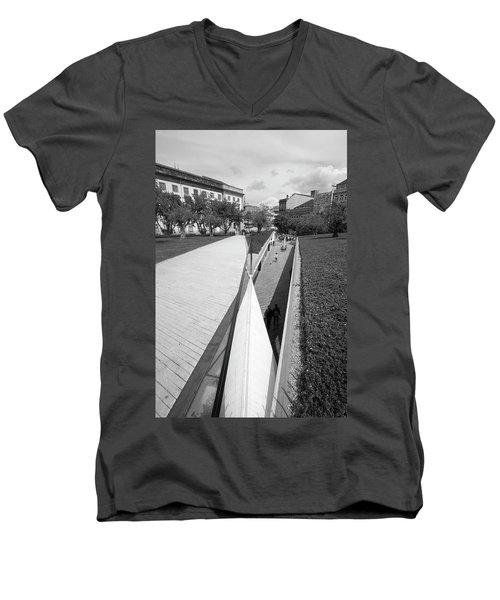 Dog Life Men's V-Neck T-Shirt