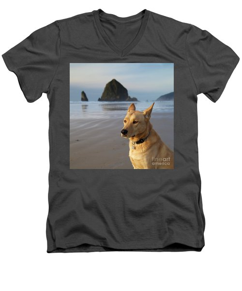 Dog Portrait @ Cannon Beach Men's V-Neck T-Shirt