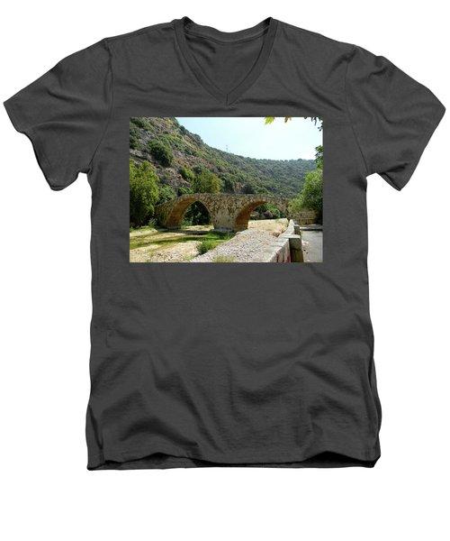 Dog River Men's V-Neck T-Shirt