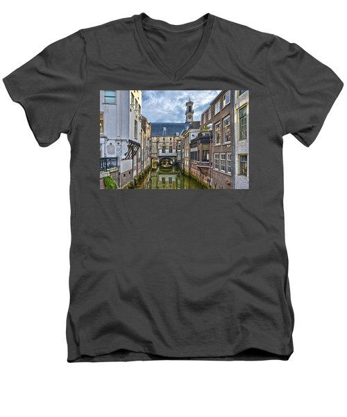 Dordrecht Town Hall Men's V-Neck T-Shirt