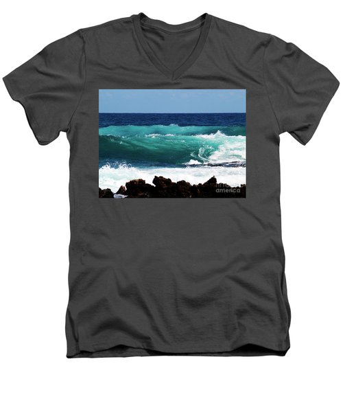 Double Waves Men's V-Neck T-Shirt