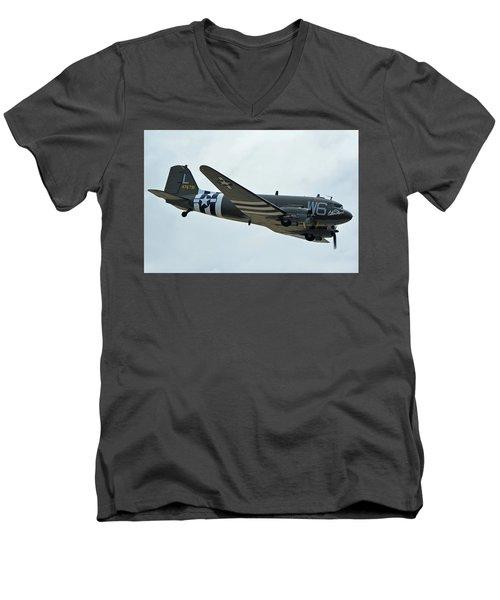 Men's V-Neck T-Shirt featuring the photograph Douglas C-47b Dakota N791hh Willa Dean Chino California April 30 2016 by Brian Lockett