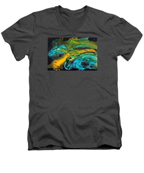 Dragon Queen Men's V-Neck T-Shirt