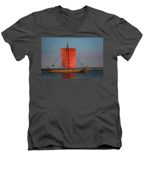 Draken Harald Harfagre Men's V-Neck T-Shirt