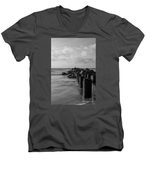 Dreamy Jettie Grayscale Men's V-Neck T-Shirt