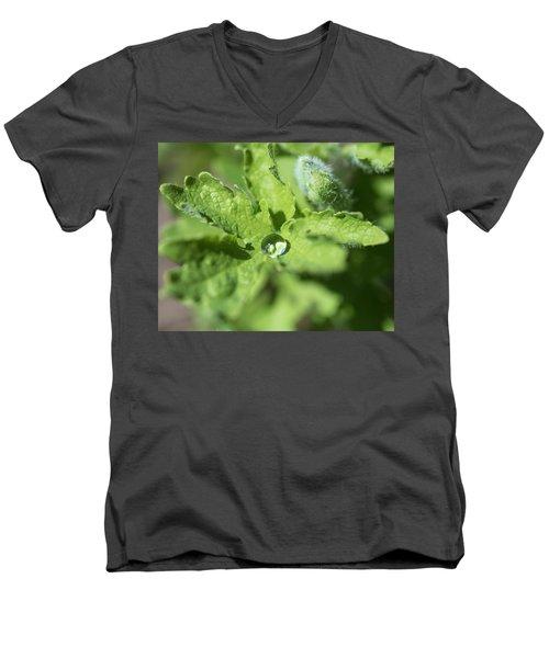 Droplet Men's V-Neck T-Shirt
