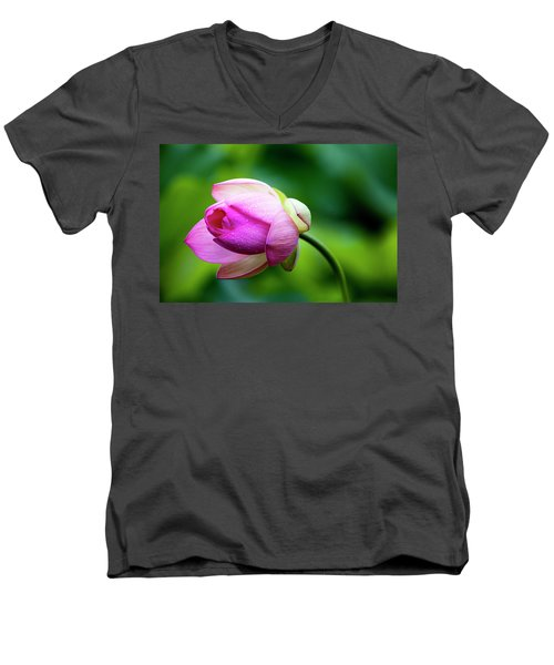Men's V-Neck T-Shirt featuring the photograph Droplets On Lotus by Edward Kreis