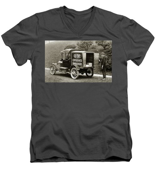 Du Pont Co. Explosives Truck Pennsylvania Coal Fields 1916 Men's V-Neck T-Shirt