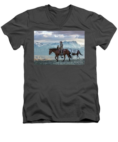 Early October Hunt Wild West Photography Art By Kaylyn Franks Men's V-Neck T-Shirt