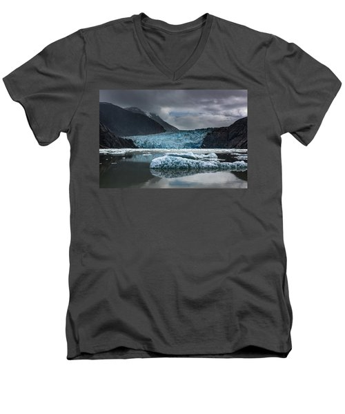 East Sawyer Glacier Men's V-Neck T-Shirt