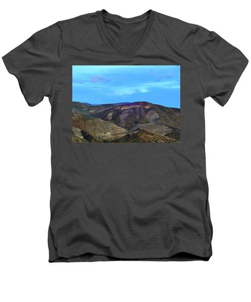 Eastern Hills Men's V-Neck T-Shirt