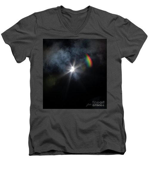 Solar Eclipse 2017 And Rainbow Men's V-Neck T-Shirt