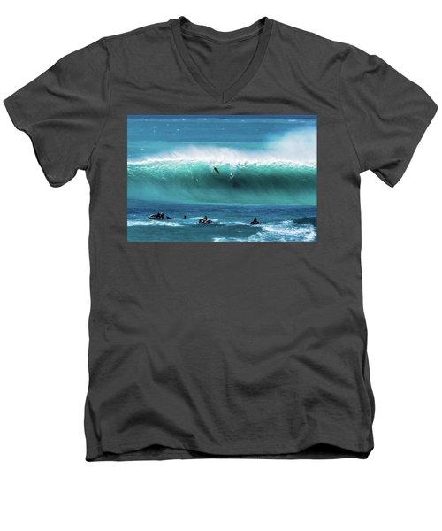 Eddie Aikau Men's V-Neck T-Shirt