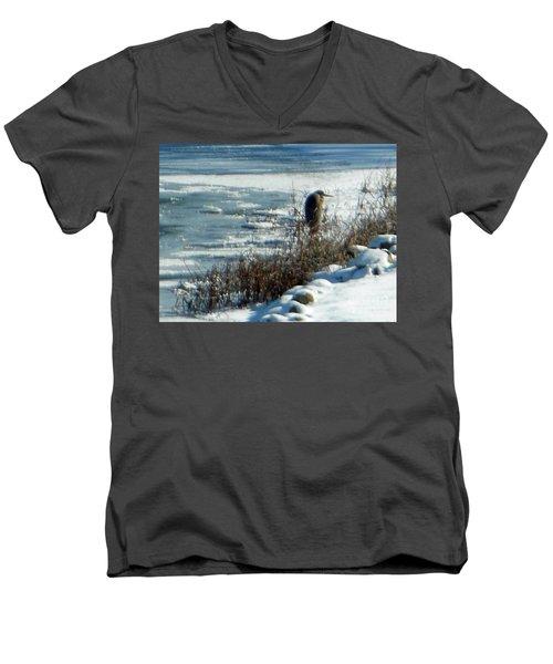 Egret Frozen Lake Men's V-Neck T-Shirt