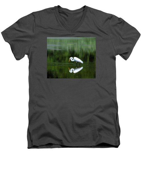 Egret Reflection Men's V-Neck T-Shirt