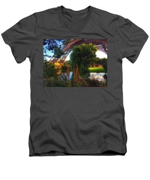 Eiffel Men's V-Neck T-Shirt