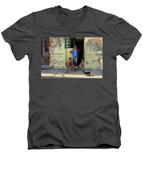 El Familia Men's V-Neck T-Shirt