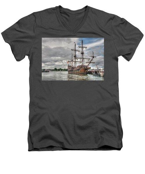 El Galeon Andalucia In Portsmouth Men's V-Neck T-Shirt