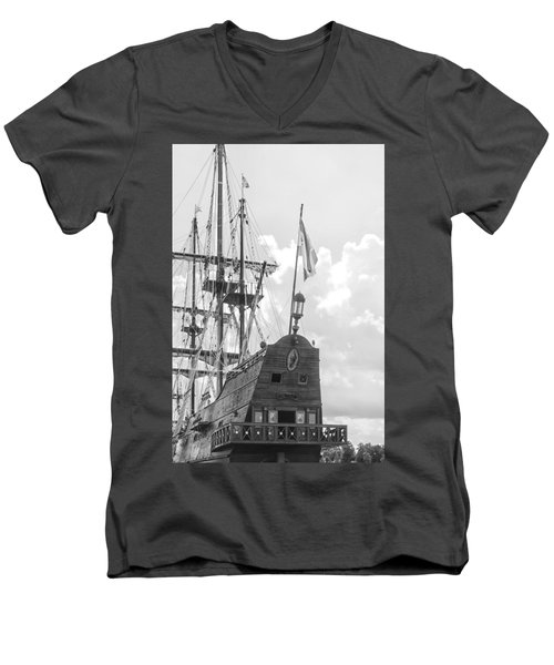 El Galeon Men's V-Neck T-Shirt
