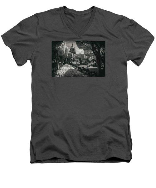 el Jardin Men's V-Neck T-Shirt
