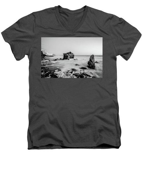 El Matador State Beach Men's V-Neck T-Shirt