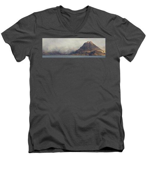 Elgol 16x5 Panorama Men's V-Neck T-Shirt