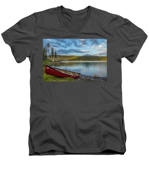 Elk Beach Memories Men's V-Neck T-Shirt