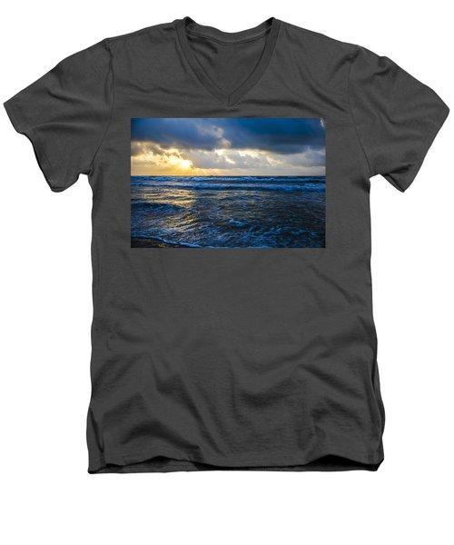 End Of The Season Padre 33 Men's V-Neck T-Shirt