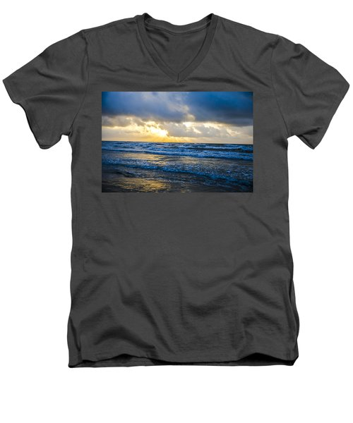 End Of The Season Padre 34 Men's V-Neck T-Shirt