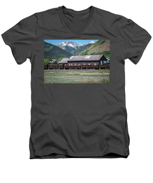 Men's V-Neck T-Shirt featuring the photograph Entering Silverton by Colleen Coccia