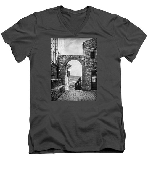 Etruscan Arch B/w Men's V-Neck T-Shirt