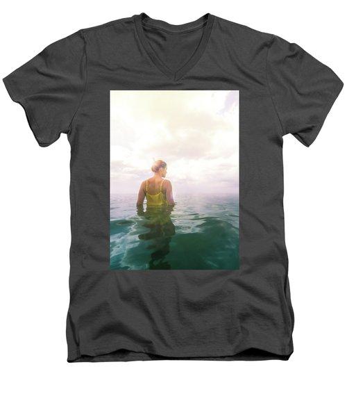Eutierria Men's V-Neck T-Shirt