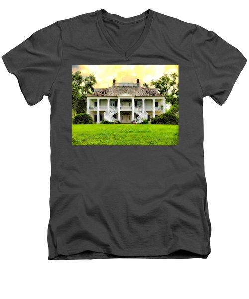 Evergreen Plantation Men's V-Neck T-Shirt