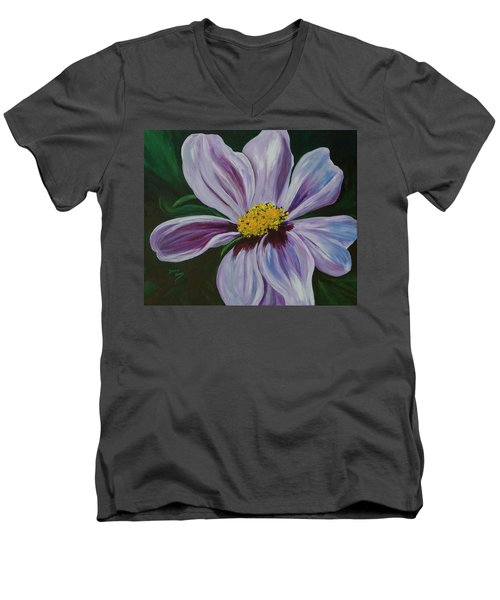 Exquisite Men's V-Neck T-Shirt
