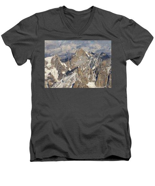 Eye Of The Needle Men's V-Neck T-Shirt