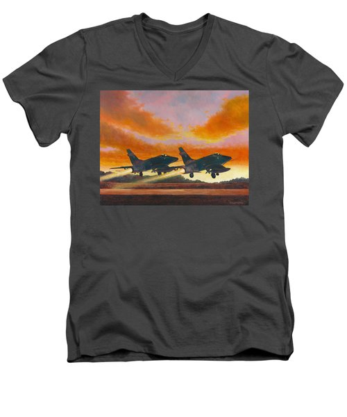 F-100d's Missouri Ang At Dusk Men's V-Neck T-Shirt