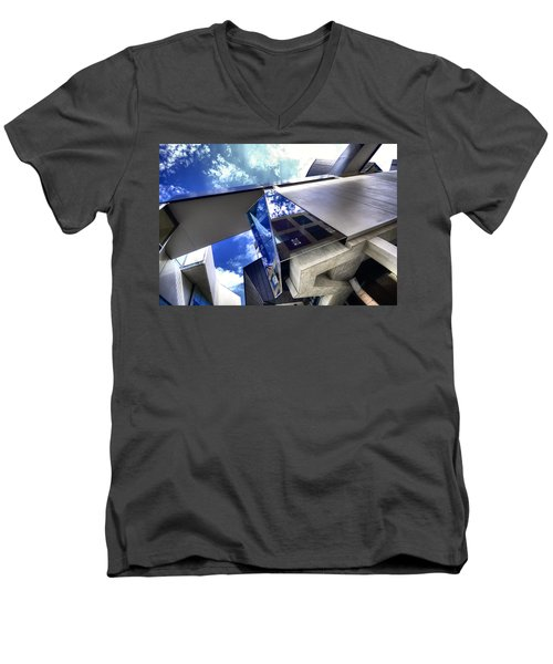 Facetted Men's V-Neck T-Shirt